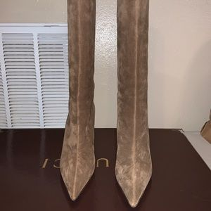 EUC women's suede Gucci boots with bamboo heels